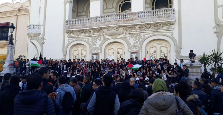 تونس تنتفض بعد قرار ترامب وتؤجل حفل افتتاح مهرجان قرطاج المسرحي
