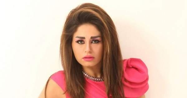 منة فضالي تتهم أحد زملائها بالسرقة..التفاصيل