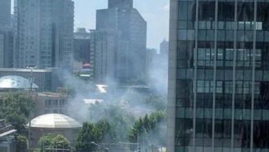 صورة شاهد| لحظة انفجار السفارة الأمريكية بالعاصمة الصينية.. فيديو