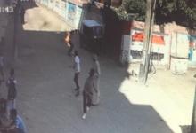 صورة معلم يشعل النار في نفسه ويقتحم المدرسة بسبب حماته في سوهاج